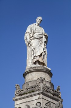 Image relating to Statue of Alessandro Volta #0