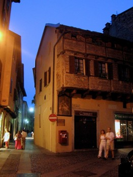 Image relating to Piazza San Fedele #7