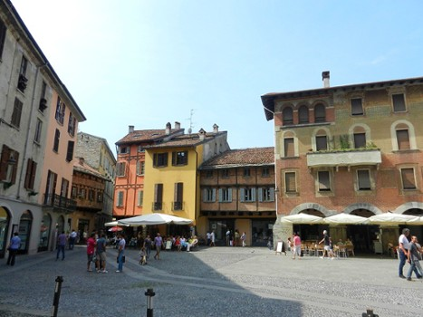 Image relating to Piazza San Fedele #6