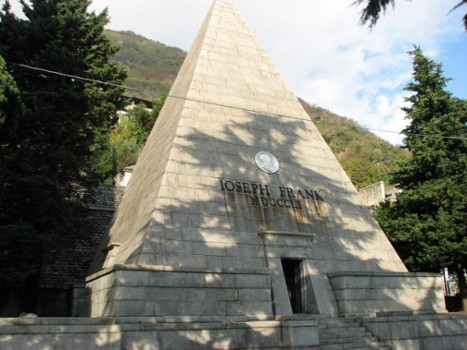 Image relating to Joseph Frank Pyramid Mausoleum #1