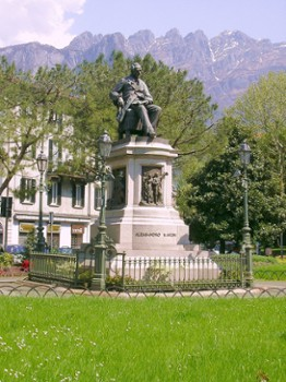 Image relating to Alessandro Manzoni Monument #0