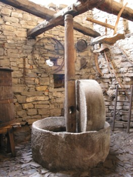 Image relating to Giant Wine Press (Il Torchio) #1