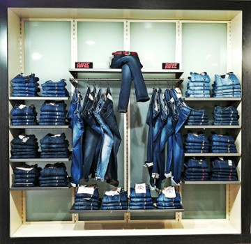 Image relating to Jeans Community by OutletVertemate #10